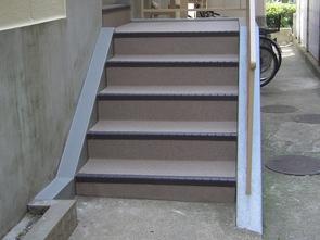 階段の長尺シート貼り 施工後